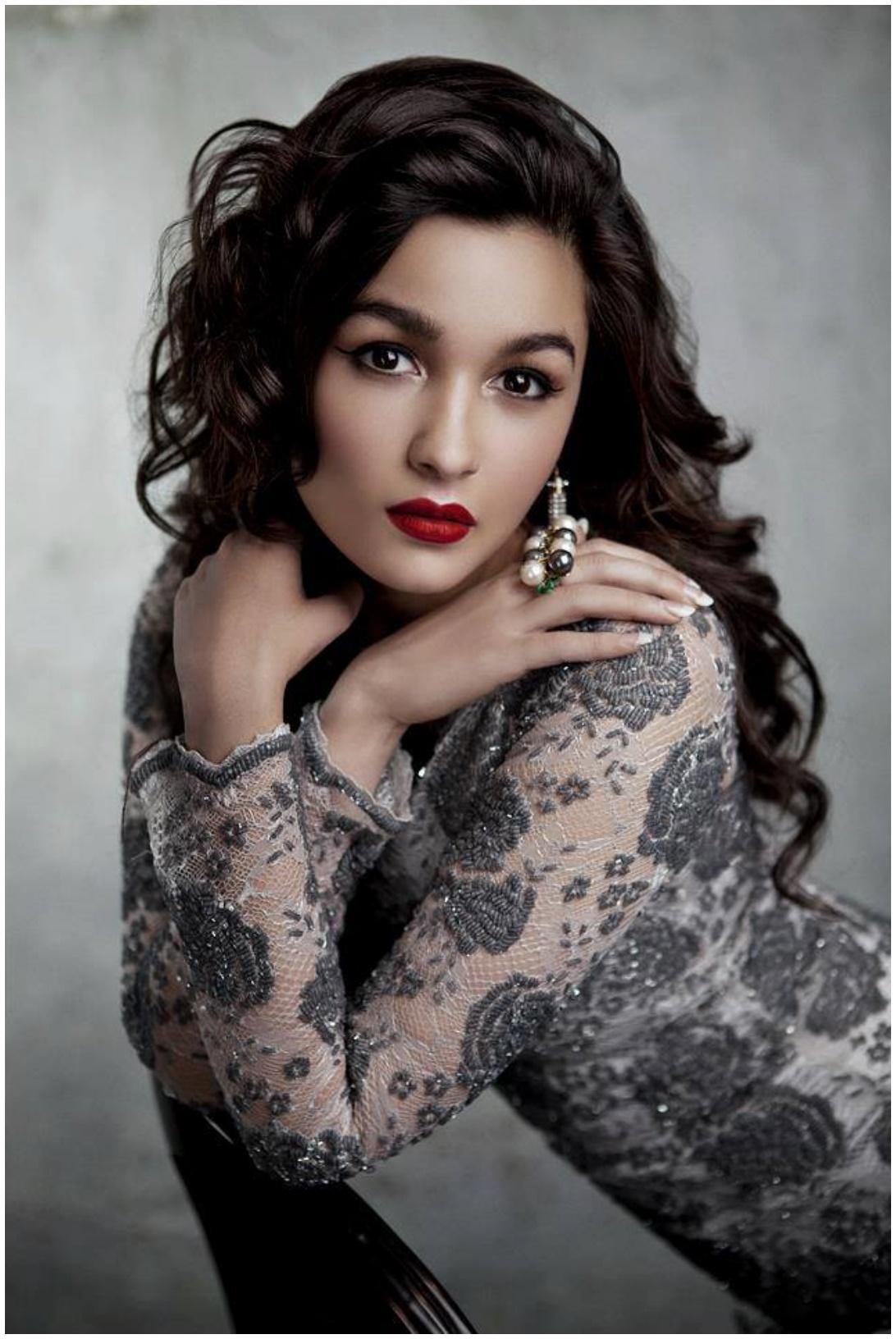 Alia bhatt new movie Raazi images