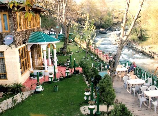 Kashmir Family Holidays & Honeymoon summer destination